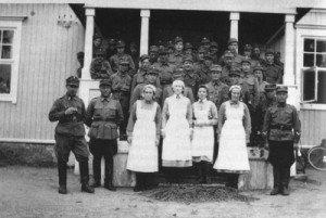 Hinthaaran IS-komppania kesällä 1941 kotisisarkoululla