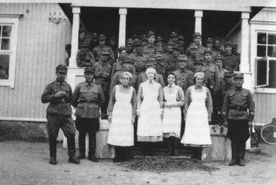 Hindhårs luftvärnskompani vid hemsysterskolan sommaren 1941.